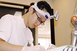 歯科医師 岡野